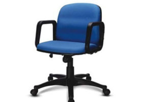 Thoát khỏi thoát vị đĩa đệm cột sống cổ dễ dàng với ghế văn phòng