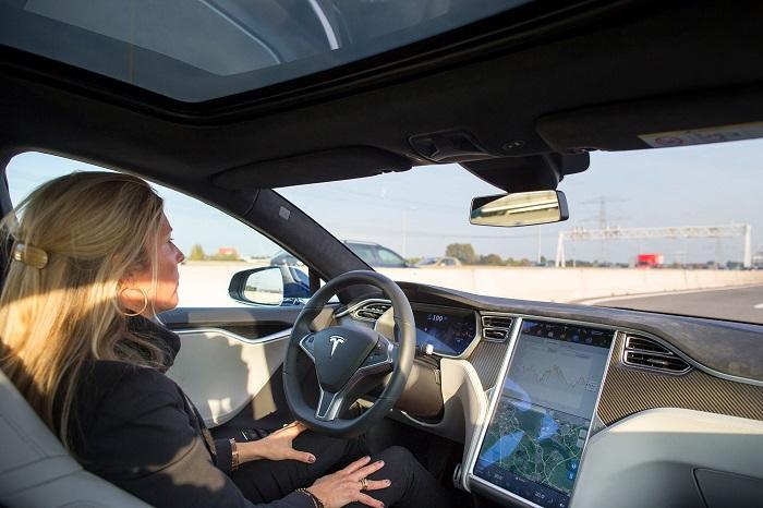 Nắm trong tay bí quyết thuê xe ô tô tự lái đi đường dài mà không sợ mệt mỏi