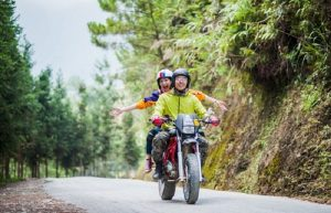 Từ trung tâm Đà Nẵng đi biển Mỹ Khê bằng xe máy bao lâu?
